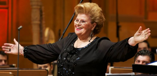'The Carmen of the 20th Century' Sings for the National Day of Romania