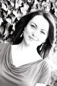 Opera Star Anita Hartig Sings in London for The National Day of Romania