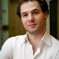 A Herald of Spring: Tenor Andrei Fermeşanu Brings a Musical 'Mărțișor' to London