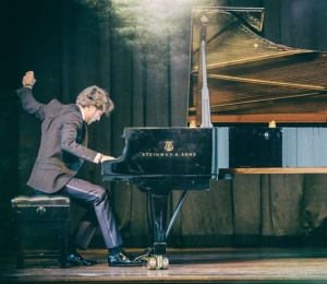 Daniel Ciobanu in the Jaques Samuel Pianos Series